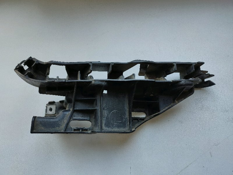 Крепление бампера Peugeot 307 3H переднее левое (б/у)