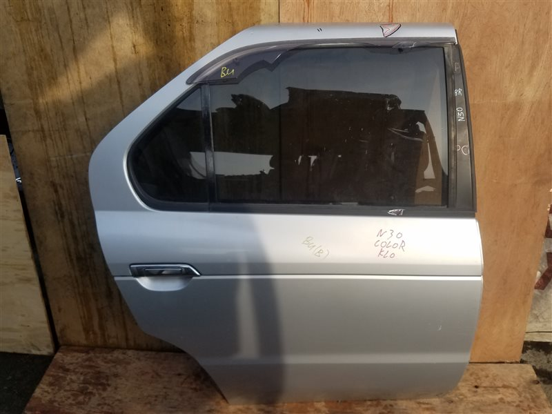 Дверь Nissan R'nessa N30 задняя правая (б/у)