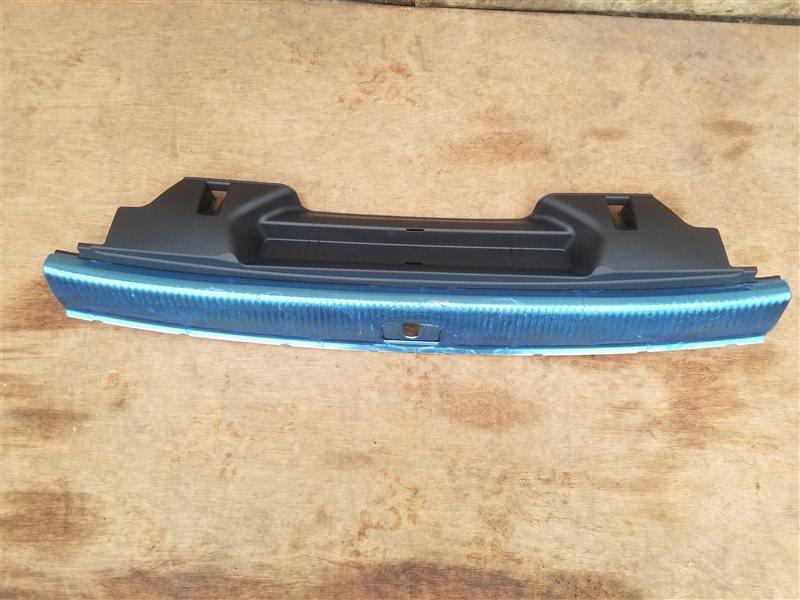 Накладка замка багажника Audi Q5 8RB CDNC 06.2011 (б/у)