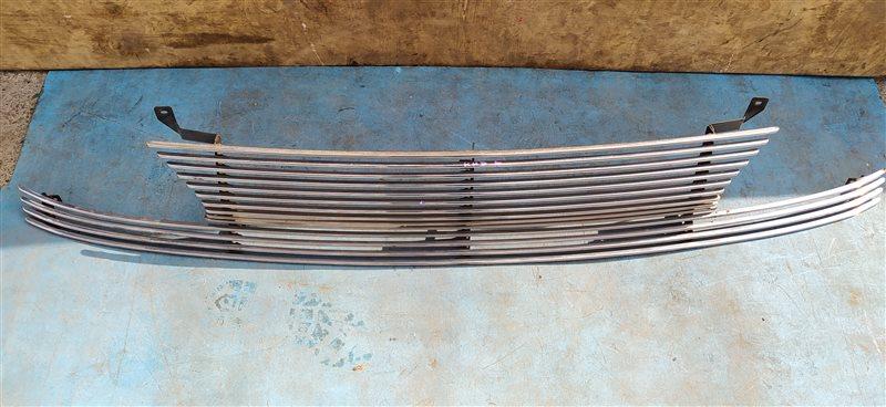 Решетка радиатора Nissan (б/у)
