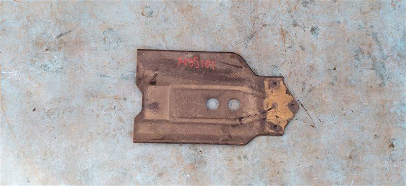Защита раздаточной коробки Toyota Land Cruiser HDJ101 1HD-FTE 07.2001 (б/у)