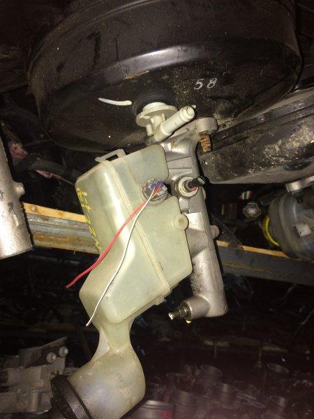 Главный тормозной цилиндр Toyota Corolla NZE121 1NZ