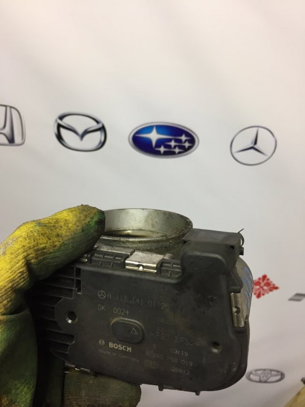 Дроссельная заслонка Mercedes E-Class W211 M112.949 2003