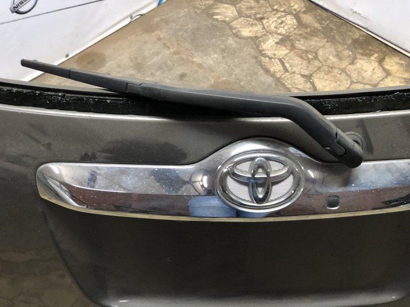 Дворник задней двери Toyota Ractis NCP100