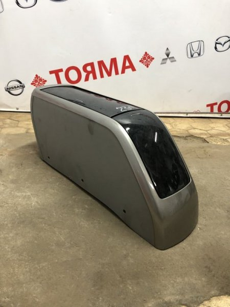 Бардачок между сиденьями Toyota Opa ACT10 1AZ 2004