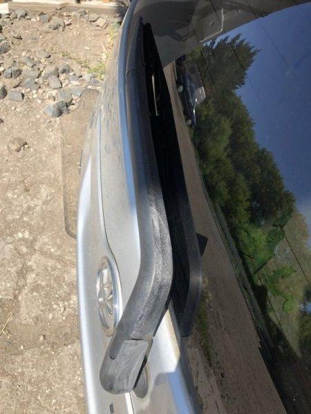 Дворник задней двери Toyota Spacio NZE121