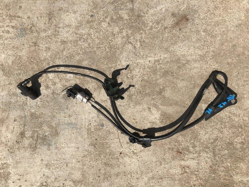 Датчик abs Toyota Matrix ZZE130 передний левый