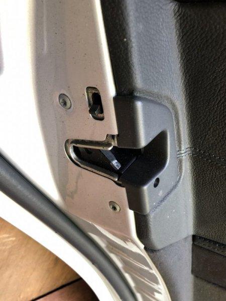 Замок двери Mercedes E-Class W211 M113.967 2002 задний левый