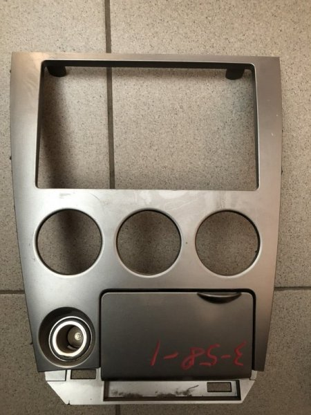 Консоль магнитофона Nissan Wingroad WFY11