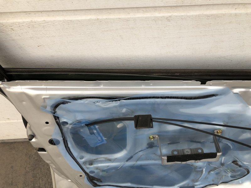 Стекло двери Toyota Opa ACT10 переднее левое