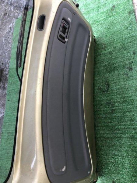 Обшивка крышки багажника Toyota Funcargo NCP20