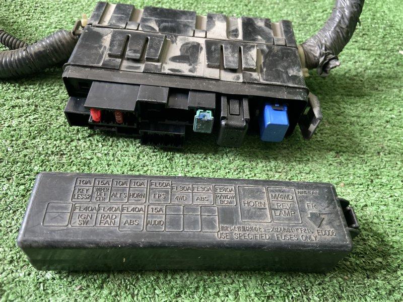 Блок предохранителей Nissan Note E11 HR15