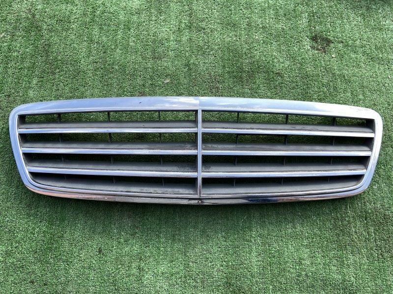 Решетка радиатора Mercedes C-Class W203