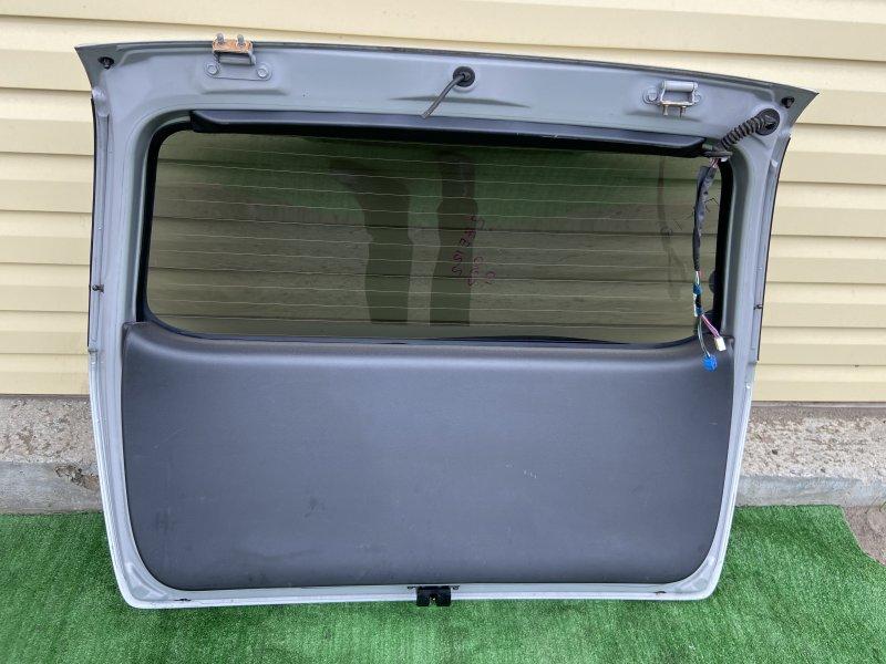 Обшивка крышки багажника Toyota Corolla Fielder NZE121