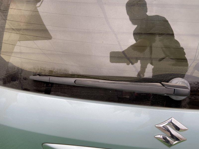 Дворник задней двери Suzuki Sx4
