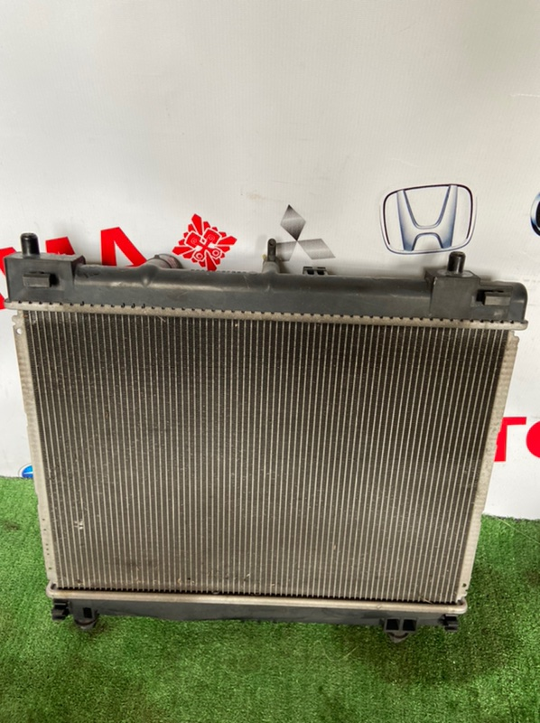 Радиатор основной Toyota Belta SCP100 1KR
