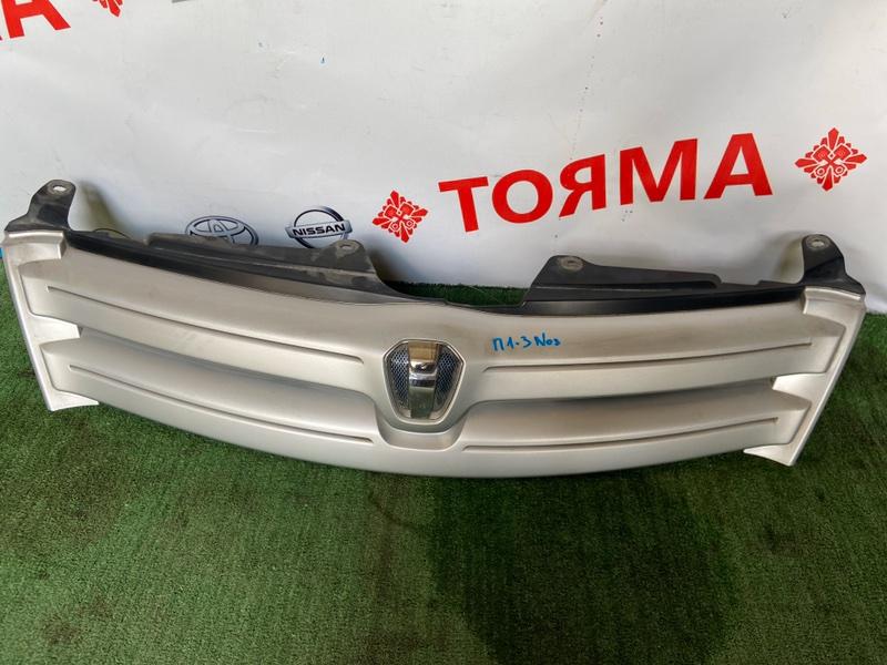 Решетка радиатора Toyota Ist NCP60