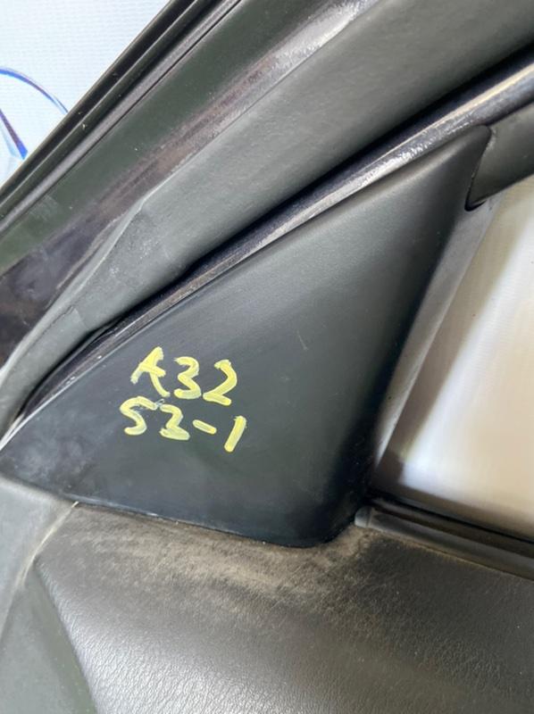 Уголок на зеркало в салоне Nissan Cefiro A32 передний правый