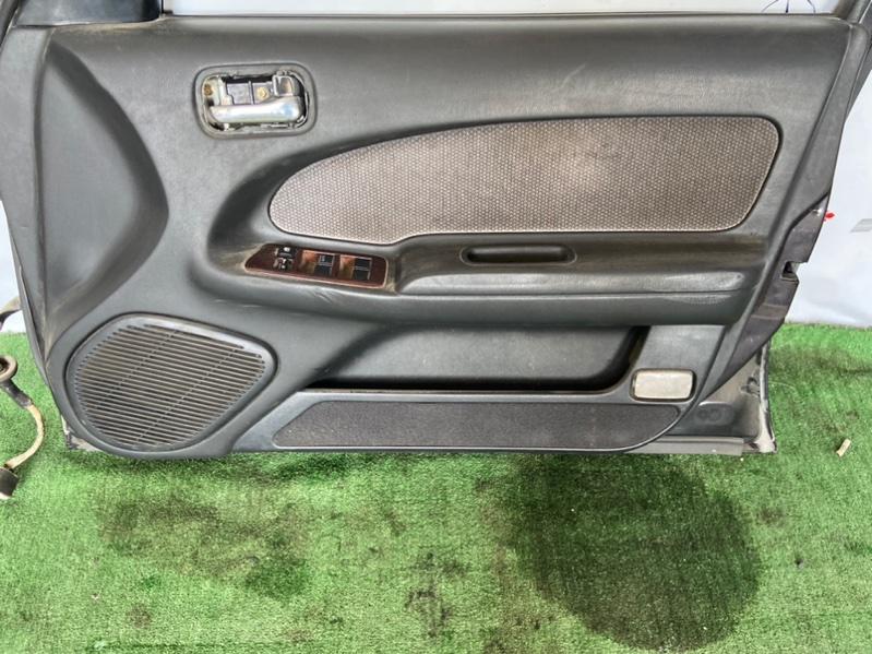 Обшивка дверей Nissan Cefiro A32 передняя правая