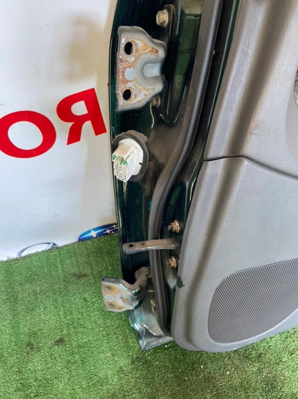 Петля двери Mazda Familia задняя правая