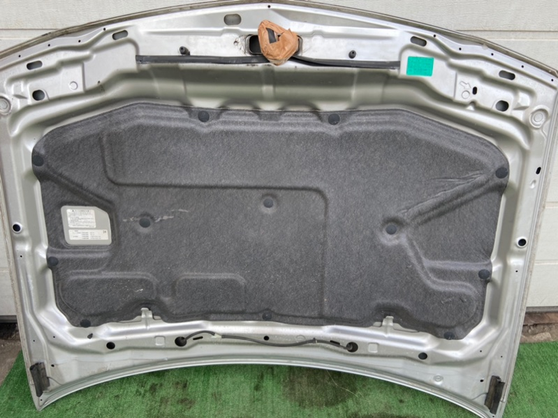 Обшивка капота Nissan Wingroad VENY11