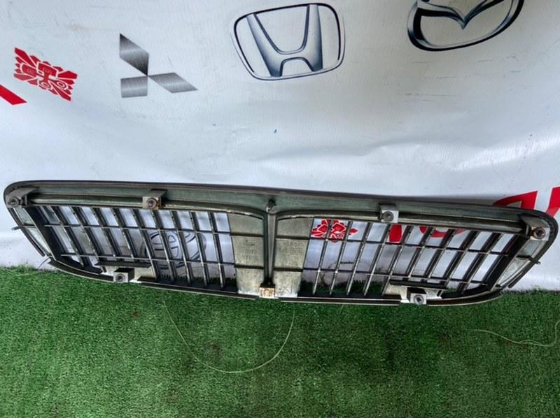 Решетка радиатора Nissan Cefiro A33
