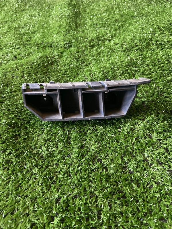 Крепление бампера Honda Fit GD1 переднее левое
