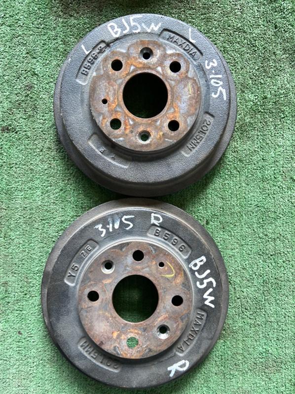 Тормозной барабан Mazda 323 BJ ZL 1998 задний