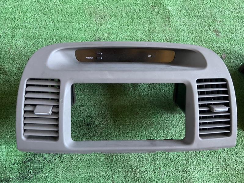 Дефлектор ветродуй на панель Toyota Camry ACV30