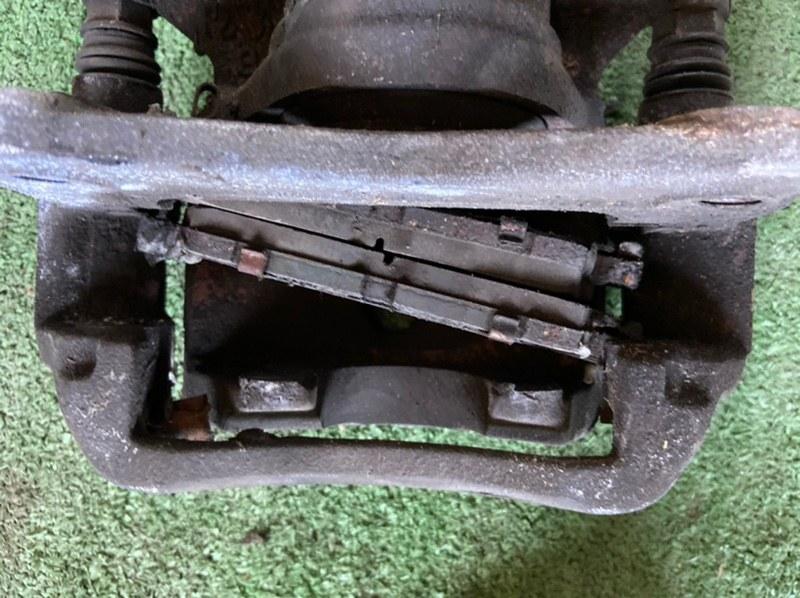 Тормозные колодки Toyota Caldina AT190 переднее