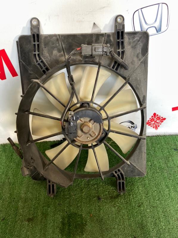 Диффузор радиатора Honda Stream RN1