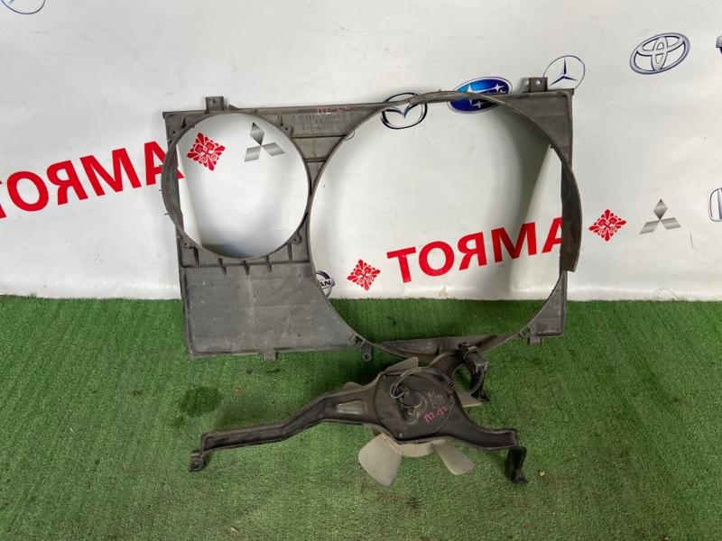 Диффузор радиатора Toyota Noah SR50