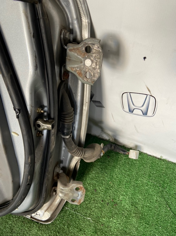 Петли дверные Subaru Forester SG5 EJ205 2005 передние левые