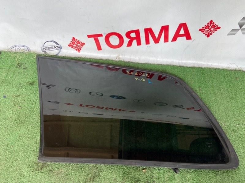 Стекло собачника Toyota Corolla Fielder CE121G 1ZZ левое