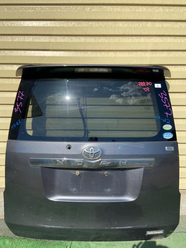 Дверь 5-я Toyota Noah ZRR70G