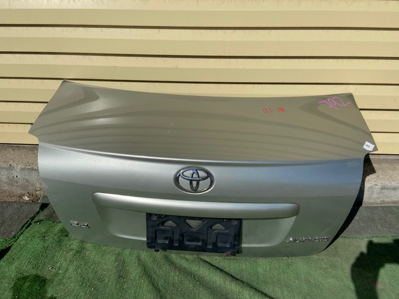 Крышка багажника Toyota Avensis ADT250