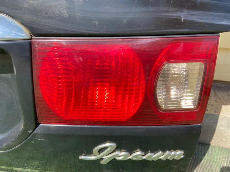 Фонарь Toyota Ipsum CXM10 правый