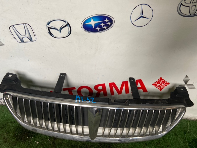 Решетка радиатора Nissan Bluebird Sylphy FG10