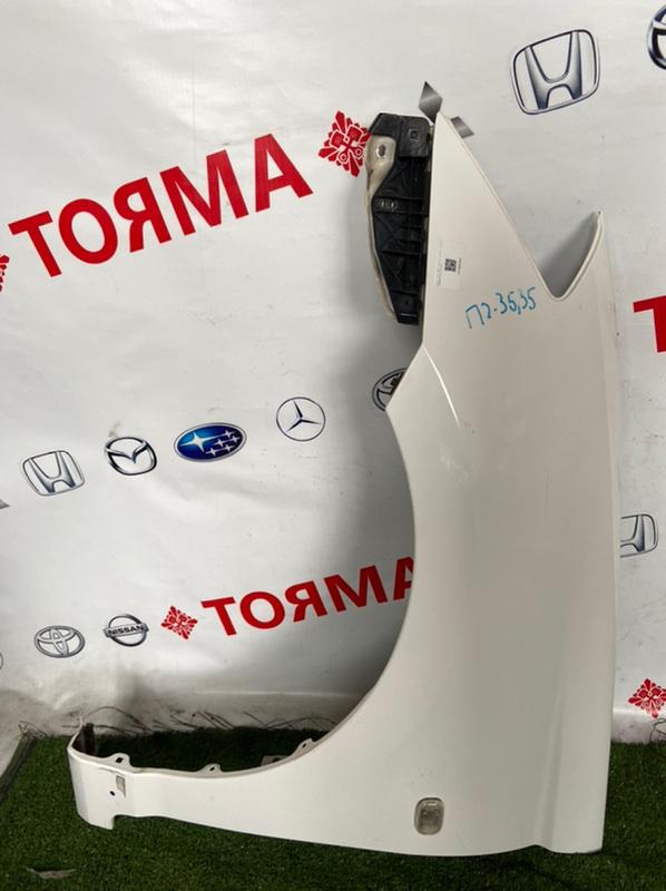 Крыло Toyota Caldina AZT241W переднее левое
