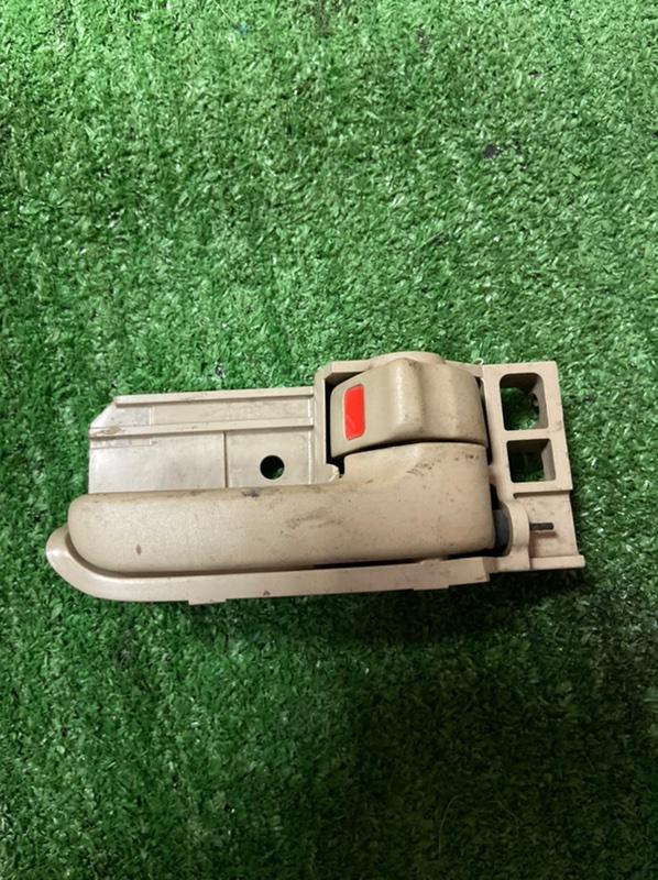 Ручка двери внутренняя Toyota Corolla NZE121 задняя правая