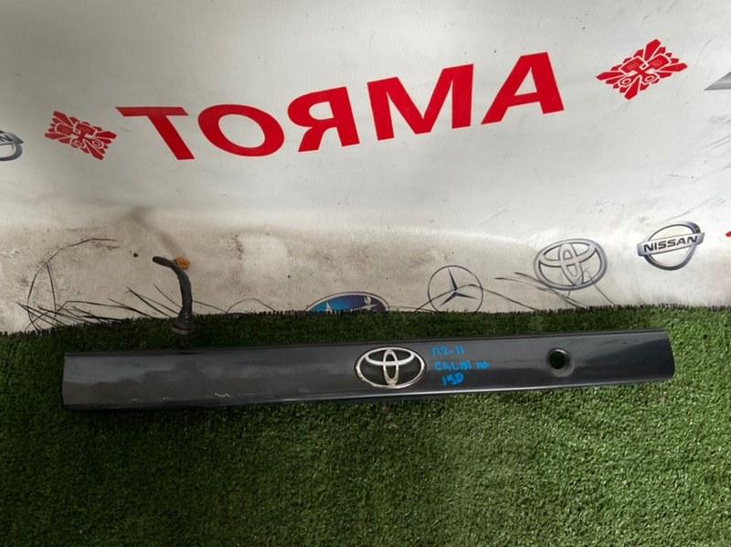 Молдинг крышки багажника Toyota Caldina AT191