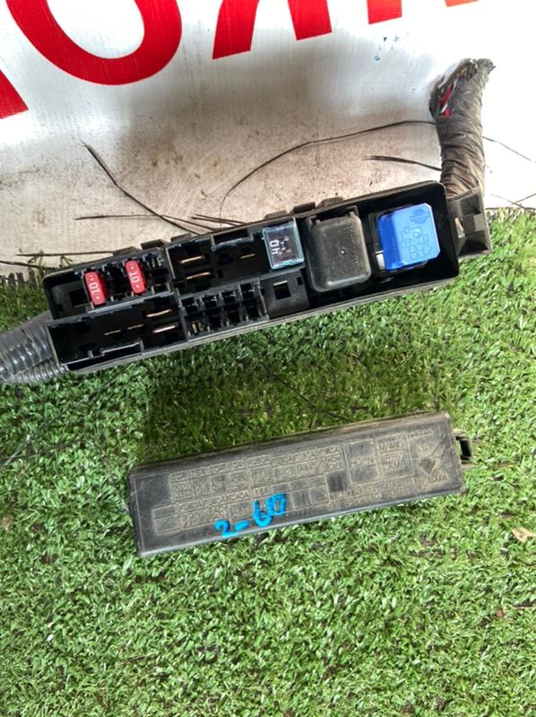 Блок предохранителей Nissan Ad AK12 HR15