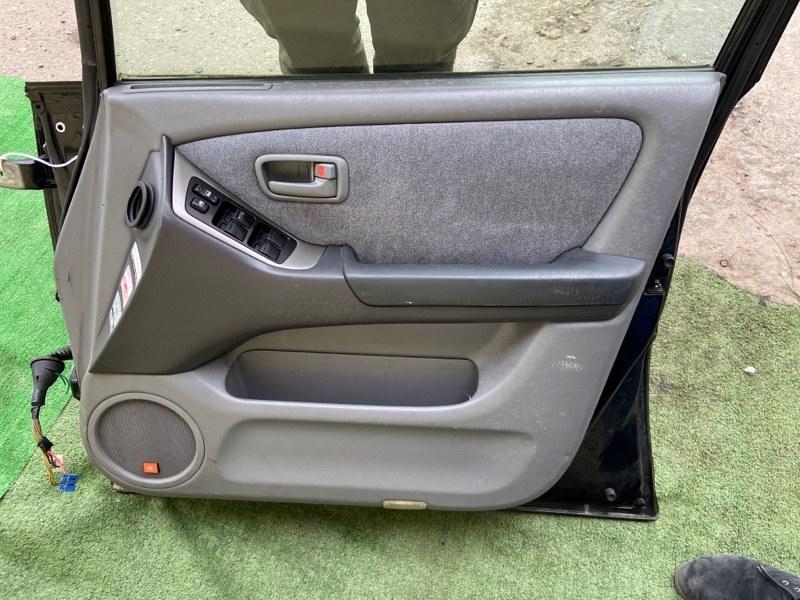 Обшивка дверей Toyota Harrier ACU10W передняя правая