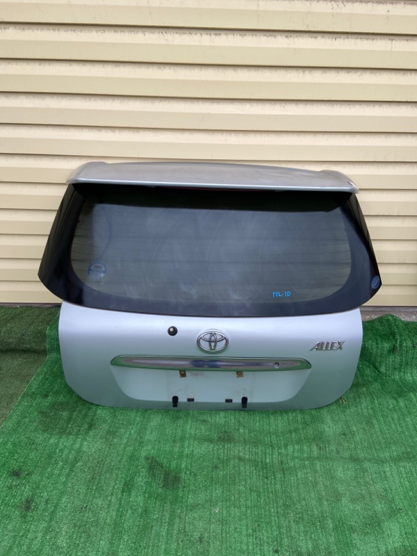 Дверь 5-я Toyota Allex NZE121 2003