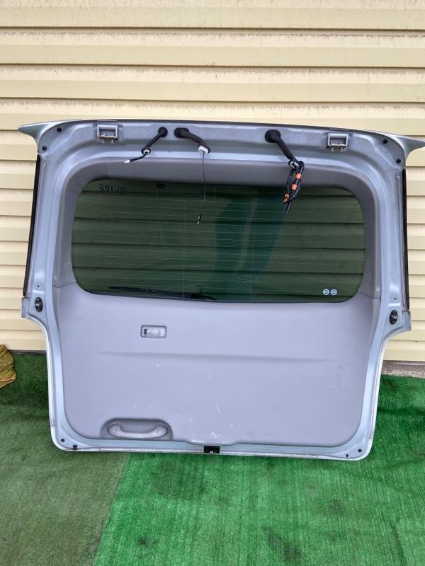 Обшивка двери багажника Mazda Mpv LW3W