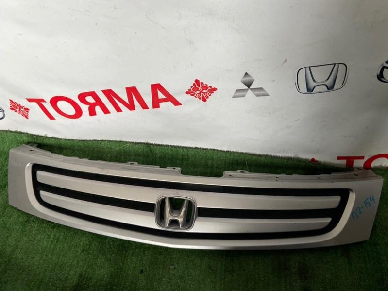 Решетка радиатора Honda Stream RN1
