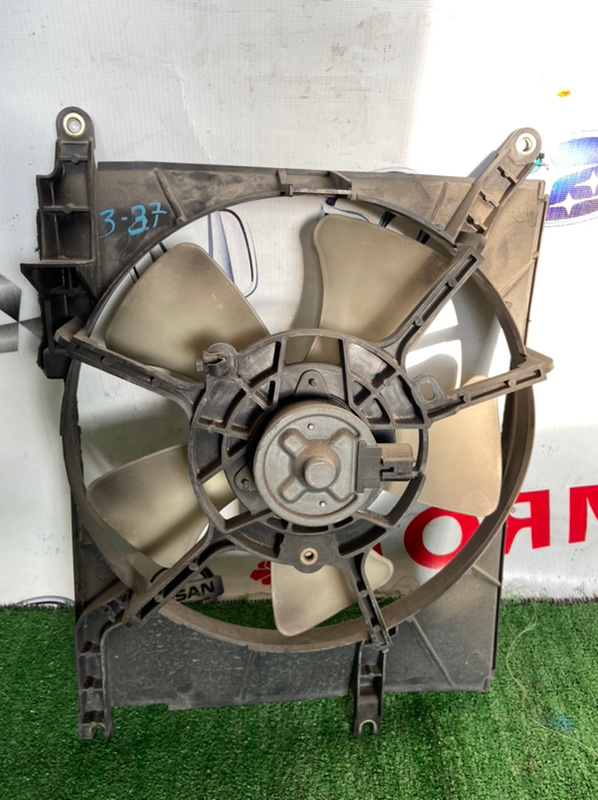 Диффузор радиатора Toyota Passo 2004.09