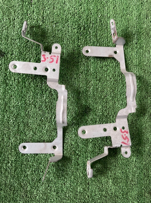 Крепление магнитолы Nissan Sunny B15