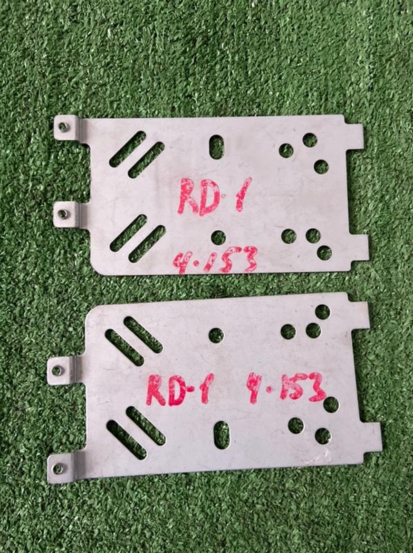 Крепление магнитолы Honda Cr-V RD1