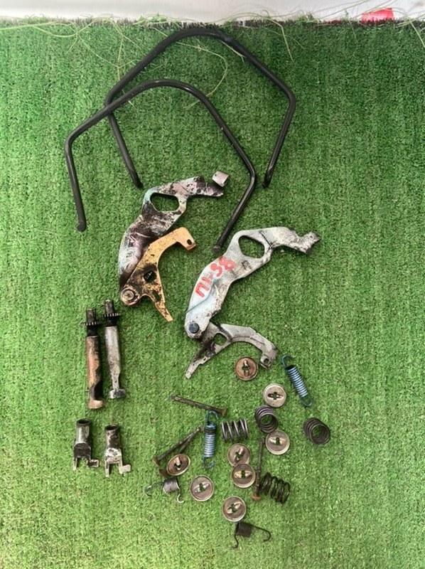 Механизм стояночного тормоза Toyota Corolla AE104